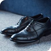 鞋类与皮革